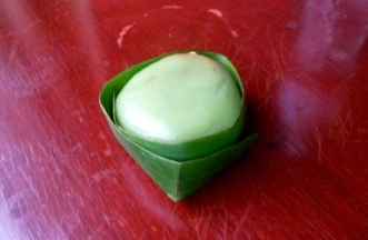 Kuih (Local sweet snack made with glutinous flour)