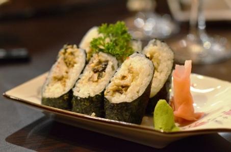 Shiitake mushroom and mayo norimaki