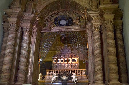 The body of St Francis Xavier of Assisi, unbelievably invincible